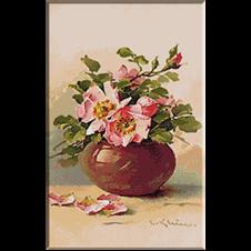 2613.Klein-Рози в стъклена ваза