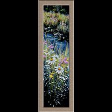 flori pe marginea raului