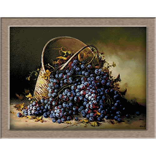 2800.Basket with grapes